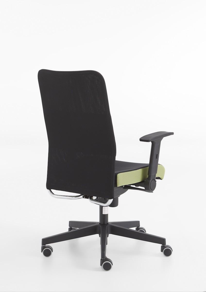 buero-arbeitszimmer-stuhl-lehne-rollen