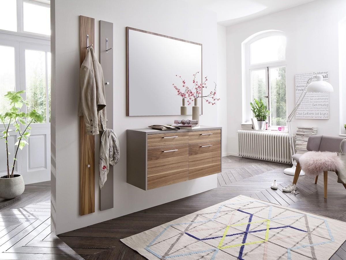 flur-diele-moebel-garderobe-spiegel-highboard