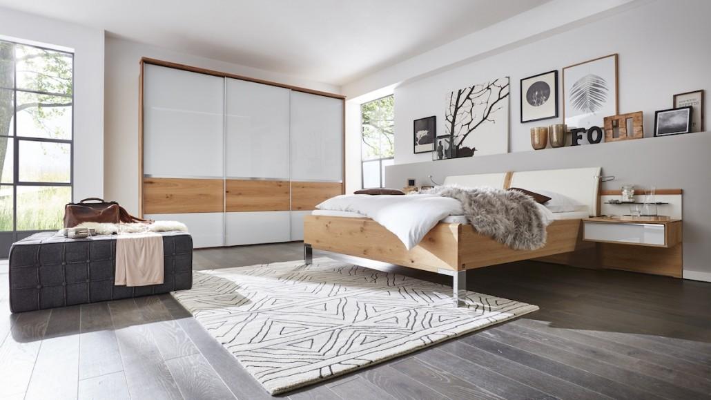 interliving-moebel-kleiderschrank-bett-schlafzimmer-nachhttisch