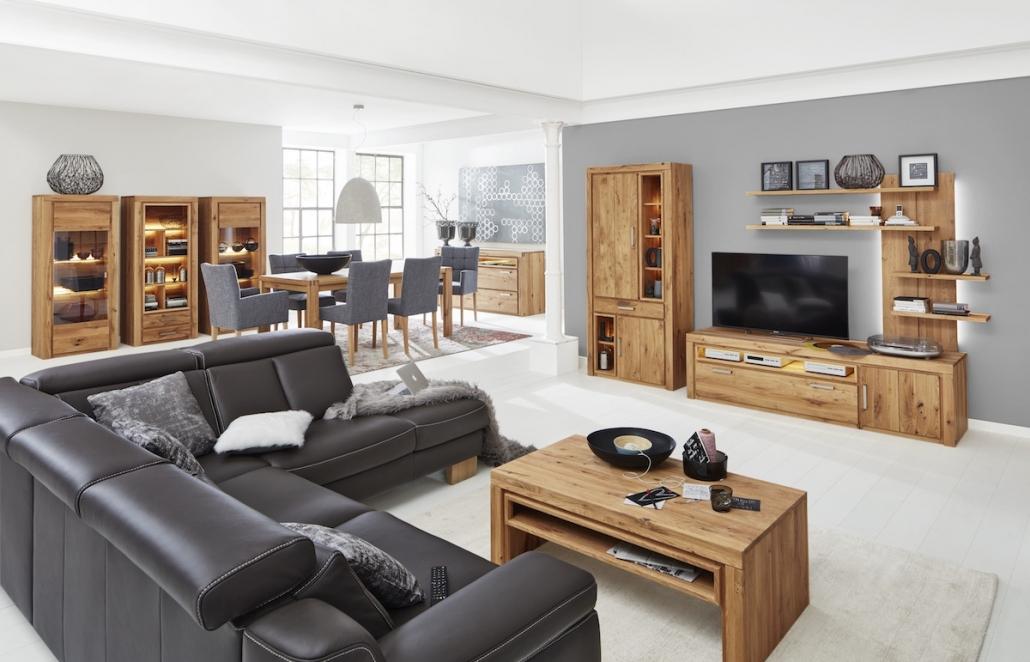 interliving-moebel-wohnzimmer-wohnwand-couchtisch-sideboard
