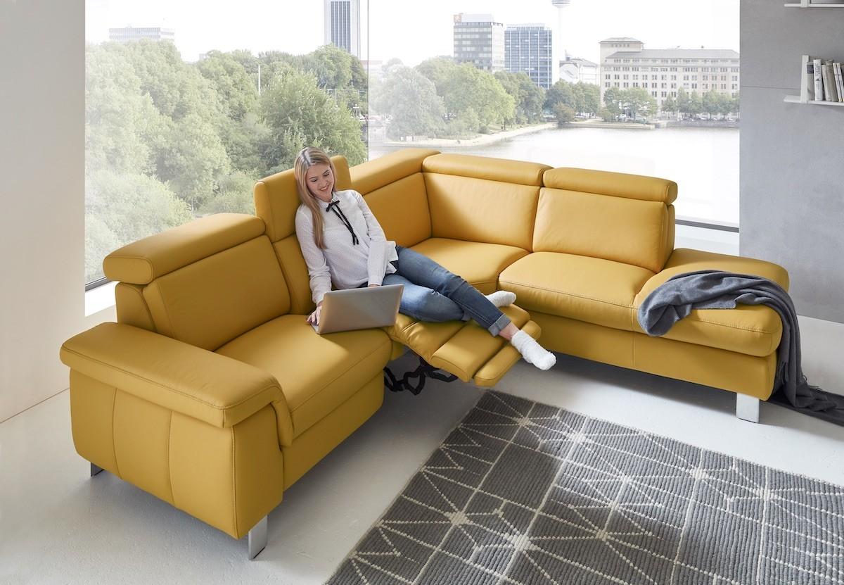 polstermoebel-sofa-couch-leder-gelb-funktion