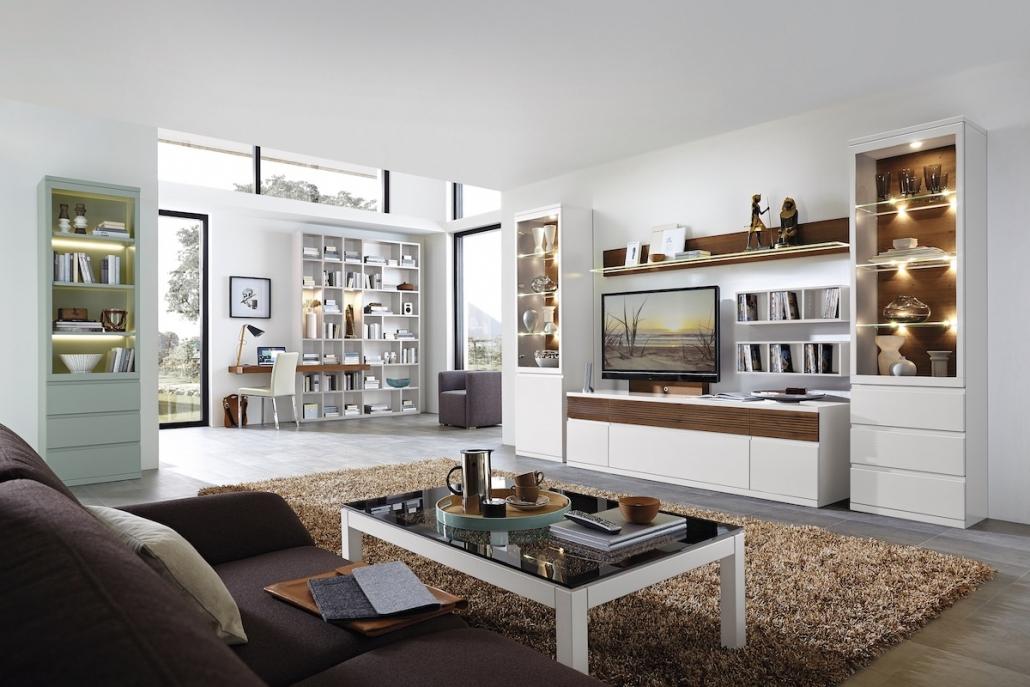 wohnzimmer-moebel-wohnzimmer-couchtisch-buecherregal-vitrine-regal-beleuchtung-weiss-modern